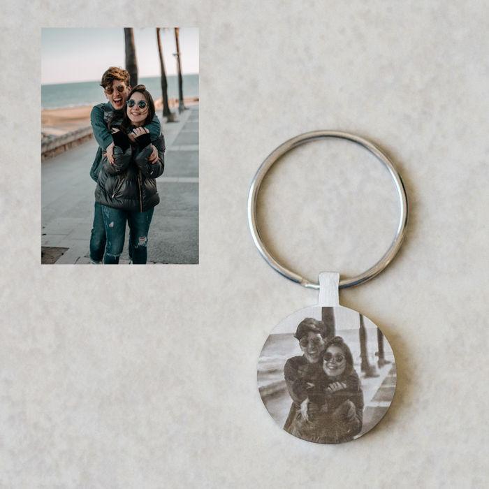 Circle Keychain - Engraved Couple