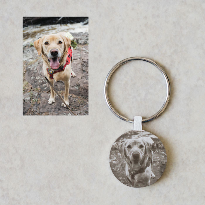 Circle Keychain - Engraved Dog