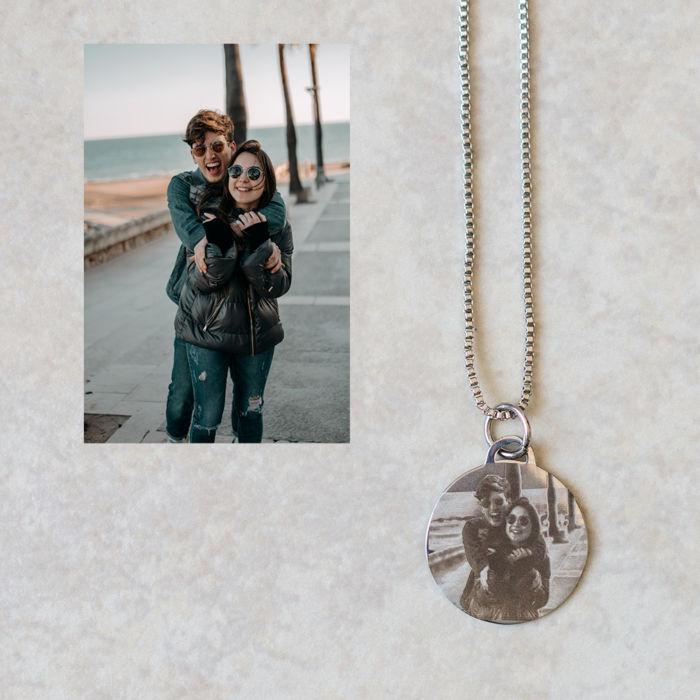 Circle Pendant Necklace - Engraved Couple