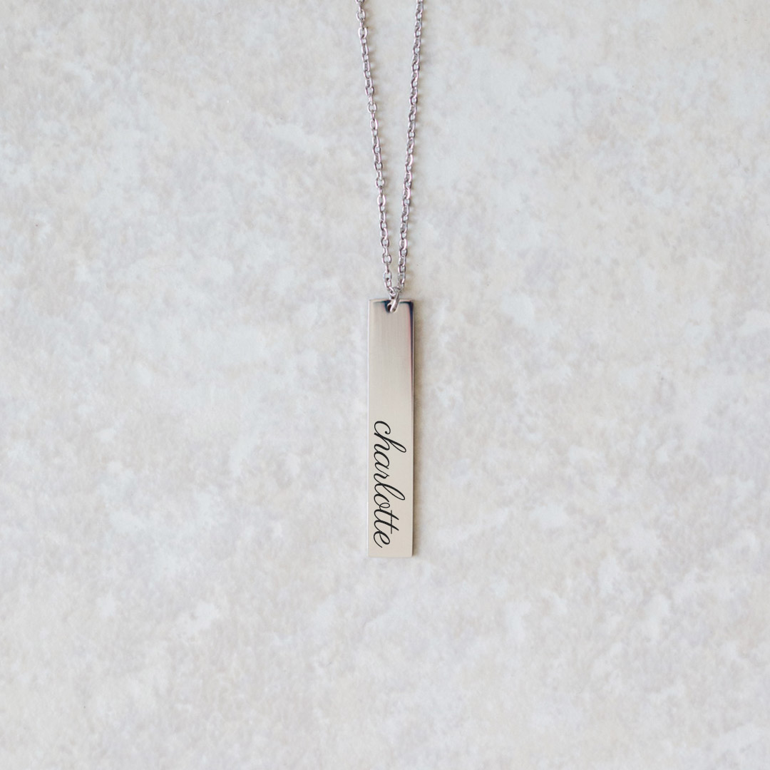 Add any name to your bar necklace